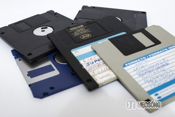 Yo mama's so old, her resume's on a floppy disk...