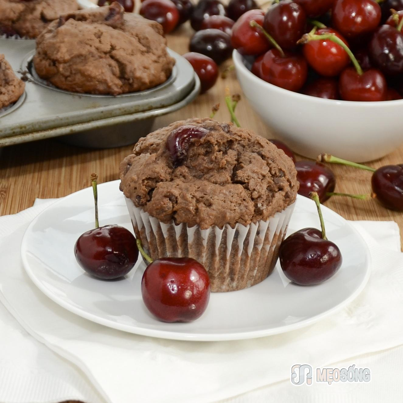 double-chocolate-cherry-muffins