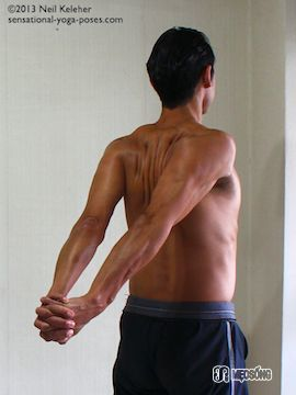 shoulder-stretch-arms-back